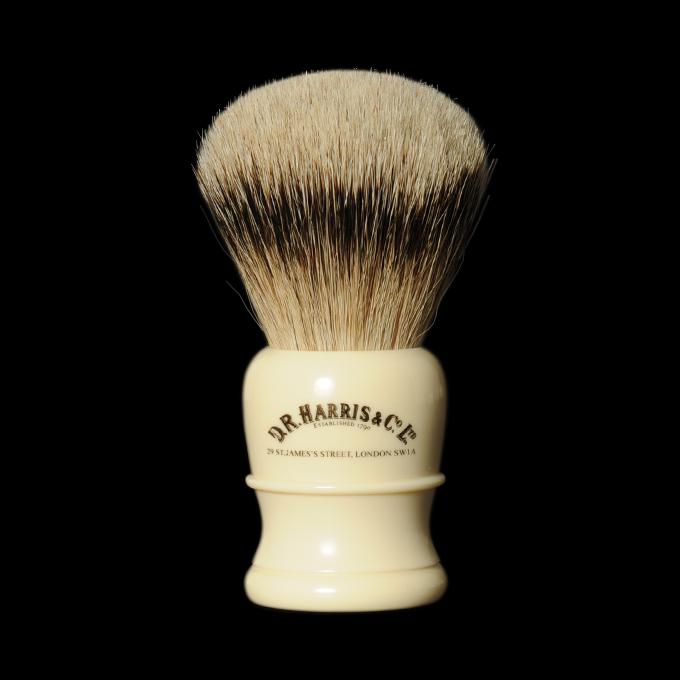L'accessoire de rasage indispensable : Le blaireau